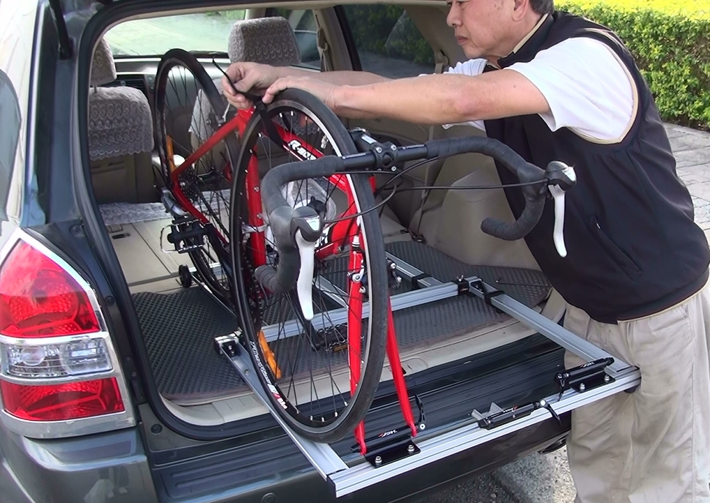 Bicycle Carrier In Car For Vans Suv If Mode 2013 Taipei Cycle