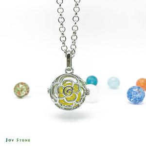 Diffuser Art Glass Locket Necklace - Cutout Rose