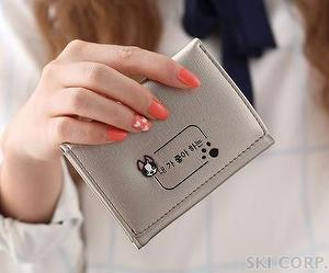 GVF Woman Dog Footprint Short wallet purse